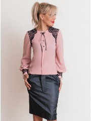 00640 Блуза из крепа пудровая с черным кружевом